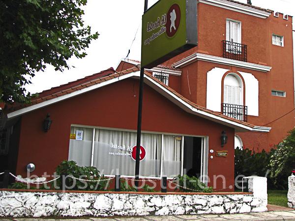 hostales y pensiones muy baratos y centricos en Mañeru