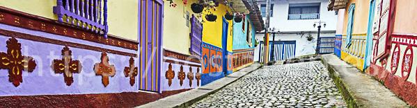hostales y pensiones muy baratos y céntricos en San Tirso de Abres