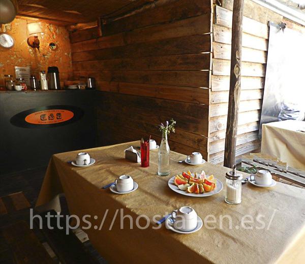 hostales y pensiones muy baratos y centricos en Corbera