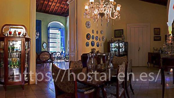 hostales y pensiones muy baratos y centricos en San Tirso de Abres