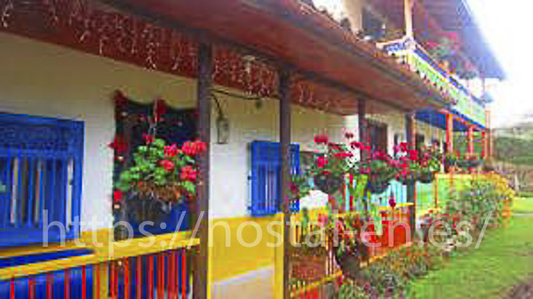 hostales y pensiones muy baratos y céntricos en La Zoma