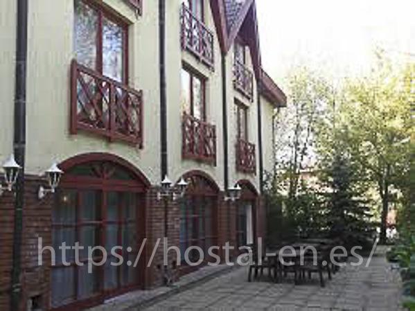 hostels y pensiones muy baratos y céntricos en Monforte de Moyuela