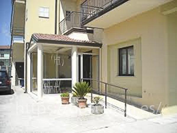 hostels y pensiones muy baratos y centricos en Corbera