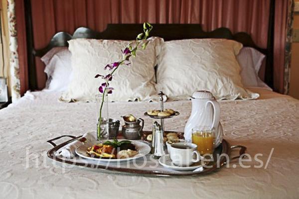 hostels y pensiones muy baratos y centricos en El Bodon