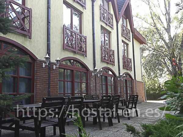hostels y pensiones muy baratos y céntricos en Rodenas