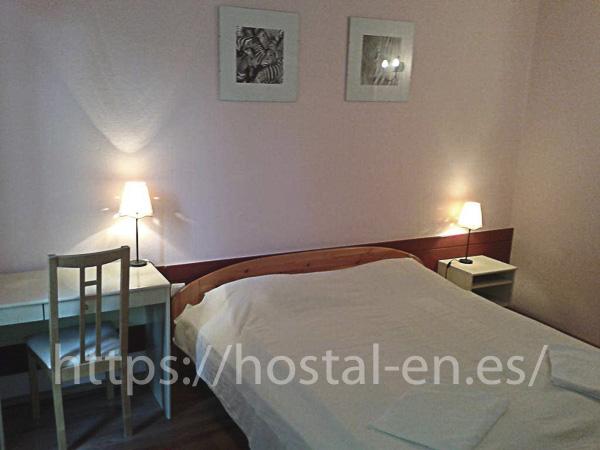 hostels y pensiones muy baratos y céntricos en Melilla