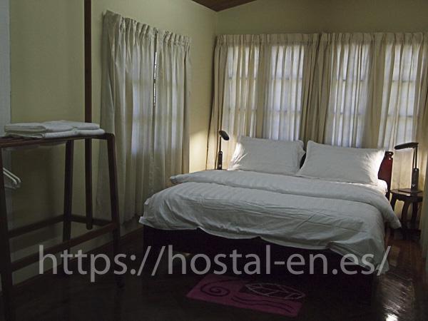 hostels y pensiones muy baratos y centricos en La Seca