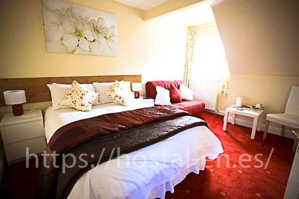 hostels y pensiones muy baratos y centricos en Ribas de Sil