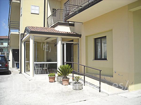 hostels y pensiones muy baratos y céntricos en Monroy